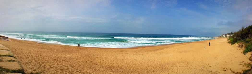 Der Strand von Umdloti Beach nördlich von Durban am Abend unserer Ankunft.