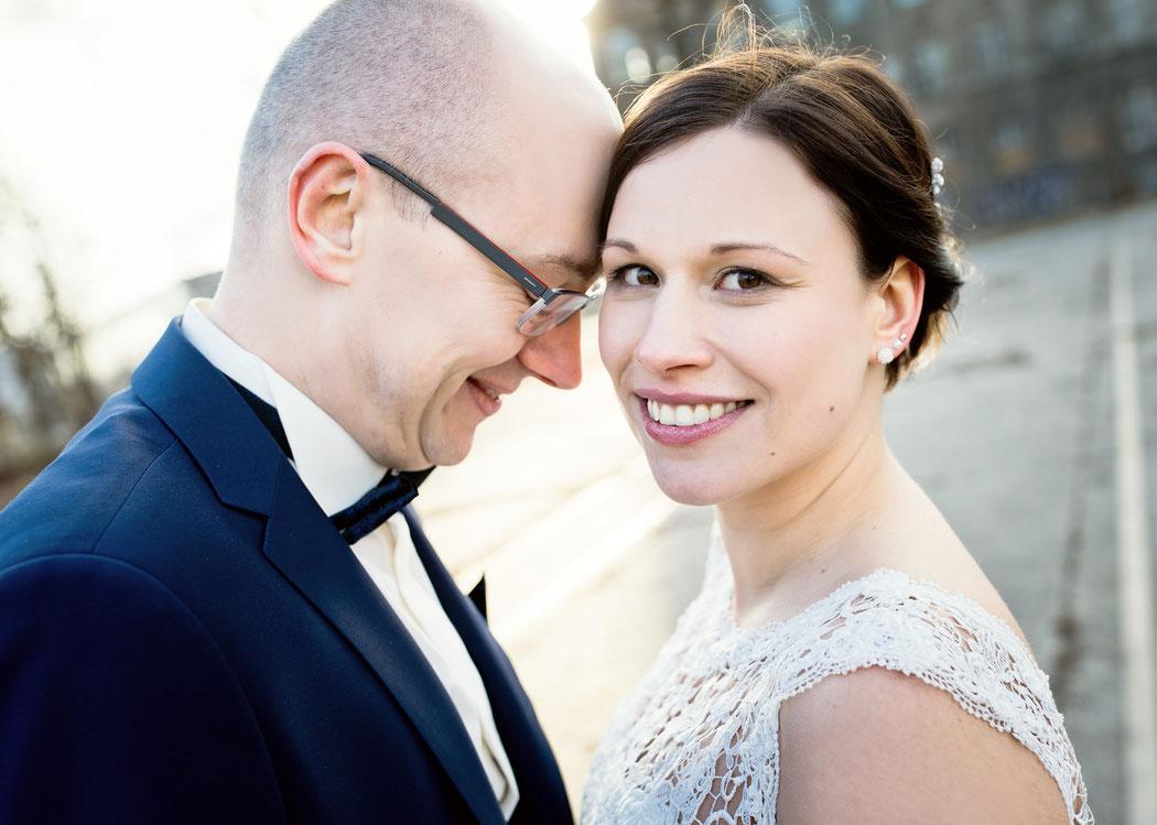 schwangere hochzeit im schloss Wildeck in Zschopau und Feier in der Fabrikküche von Max Louis, Hochzeitsfotografie in Chemnitz