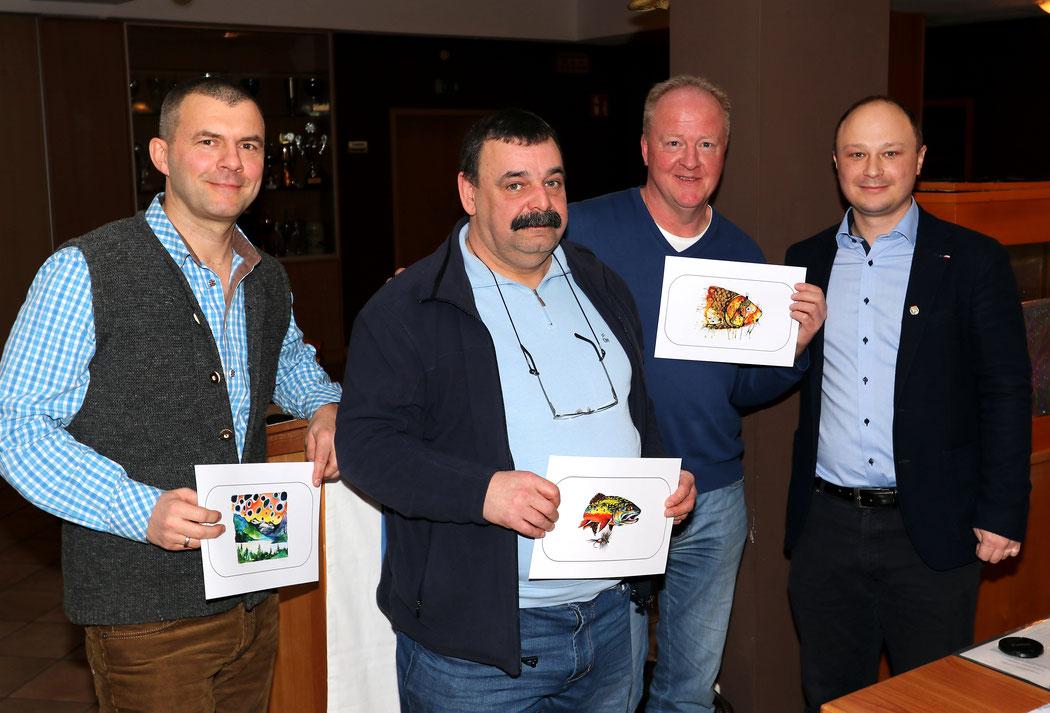 Ehrung und Verabschiedung der langjährigen Vorstandsmitglieder: (von links) Mike Golling, Wolfgang Metzler, Jürgen Käber mit Altvorstand Tommy Reil.