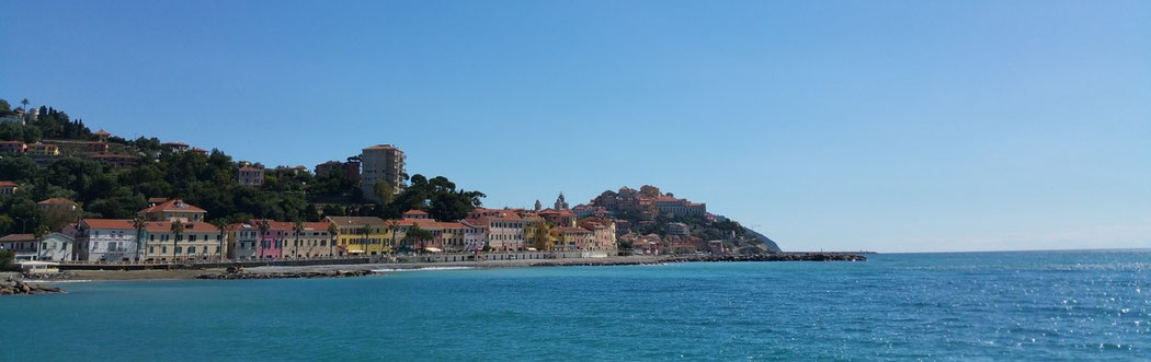 links Imperia-Borgo Prino, dahinter Porto Maurizio