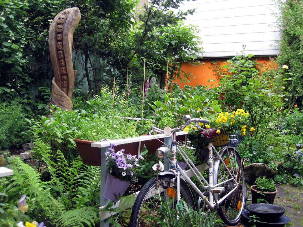 Garten der Galerie Frutti dell'Arte bei Nacht / Tag der offenen Gärten in Aachen am 15 und 16 Juni 2019