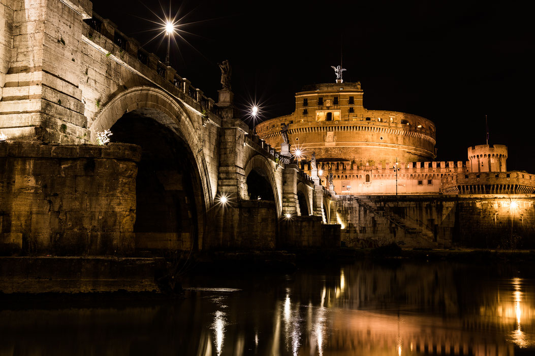 Rome's Castel Sant'Angelo at night