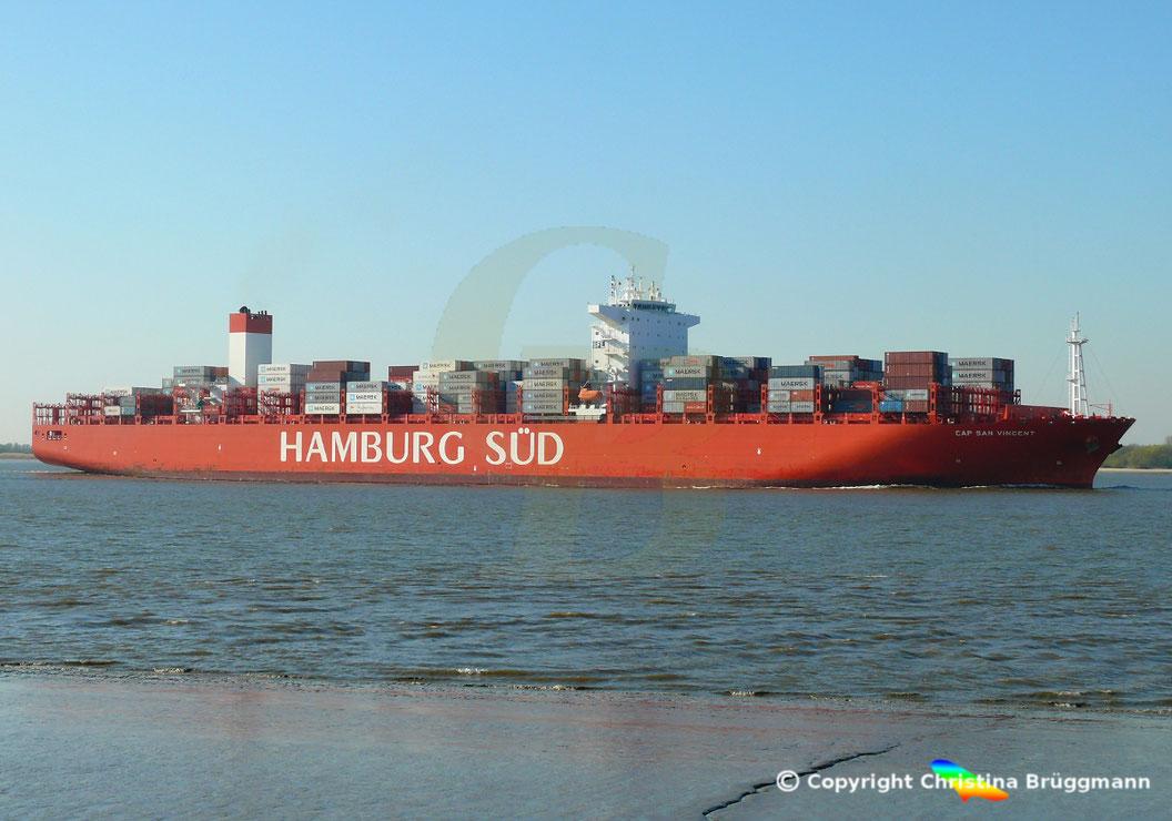Das Containerschiff CAP SAN VINCENT nach Erstbeuch in Hamburg