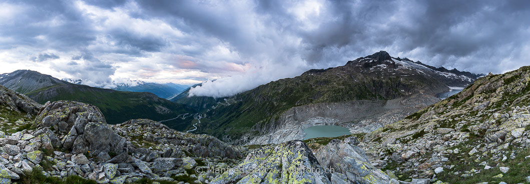 Dieses Tal, namens Val de Moiry, füllte wohl der gleichnamige Gletscher einmal ganz aus, Kanton Wallis