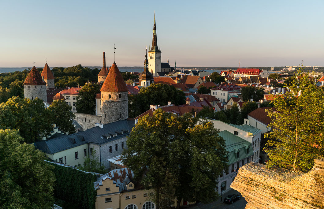 Toompea hill sunset in Tallinn