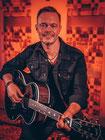 Gitarrist & Sänger Acoustic Champagne