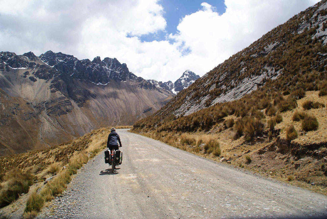 Durch den Nationalpark Huascaràn, vorbei an den Riesen der Cordillera Blanca.