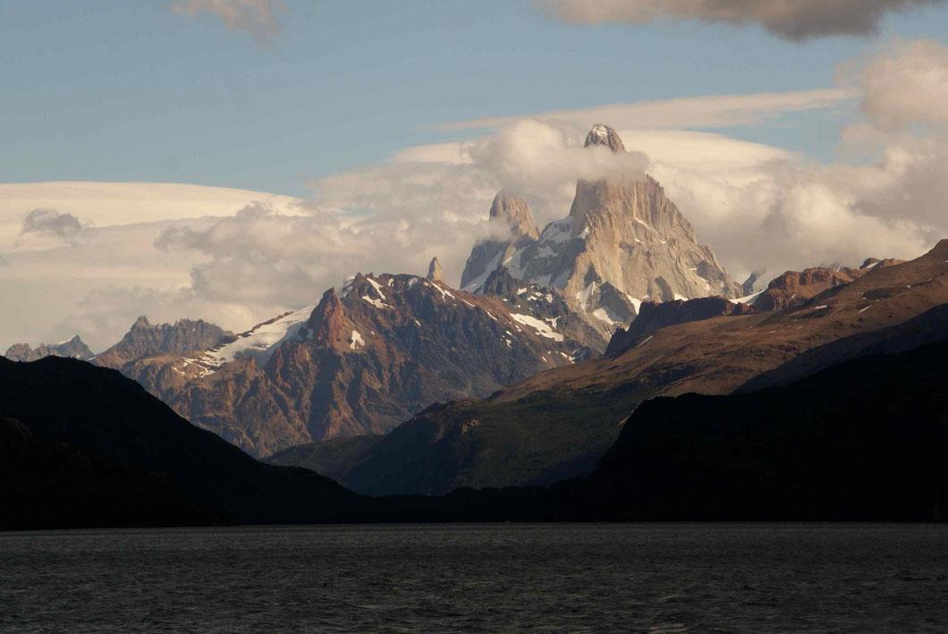 """Vue du Fitz Roy depuis le """"Lago del Desierto"""""""