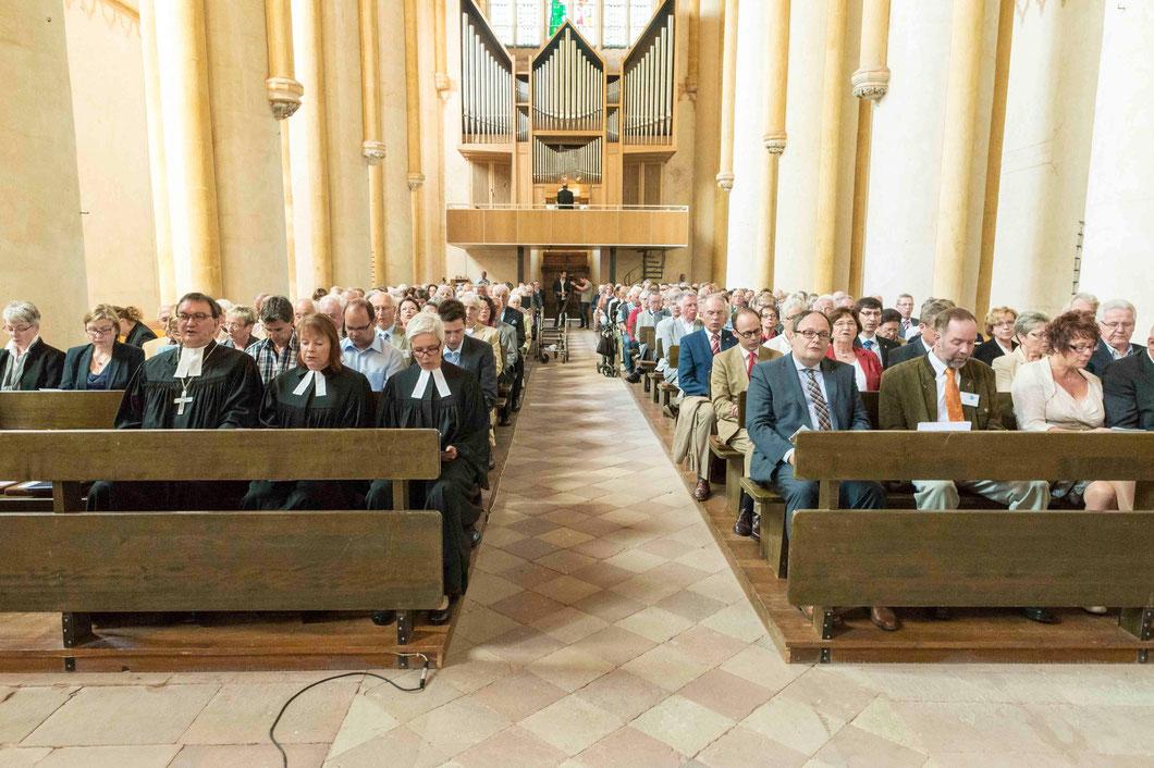 Festgottesdienst mit Bischof Prof. Dr. Martin Hein (v.l.n.r.), Dekanin Petra Hegmann, Pfarrerin Beate Ehlert, Direktor Uwe Brückmann (Foto: Karl-Günter Balzer)