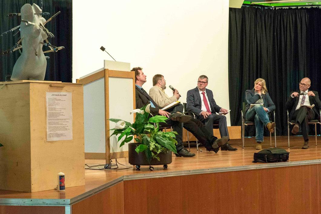 Podiumsdiskussion mit Jörg Schönfelder (v.l.n.r.), Alfred Fleissner, Moderator Hartmut Schneider, Beate Friedrich und Uwe Kemper (Foto: Karl-Günter Balzer)