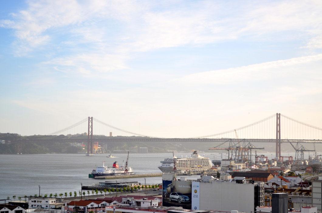 Blick auf Lissabons Hafen