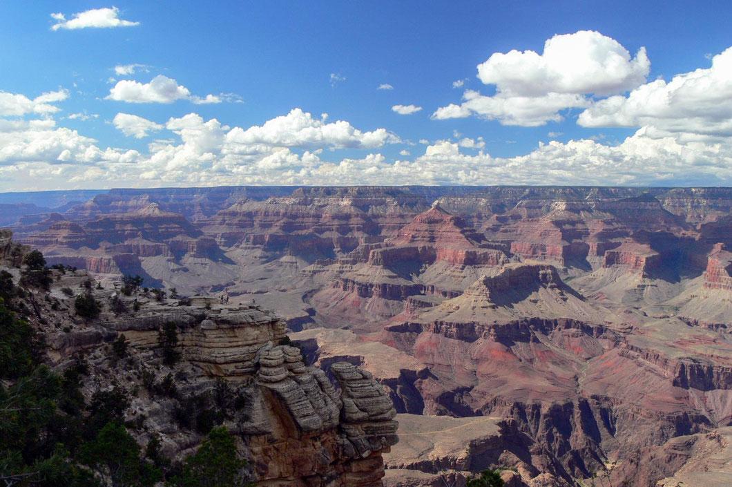 Der majestätische Grand Canyon; hier hat sich der Colorade River über Jahrmillionen durchs Gestein gefressen