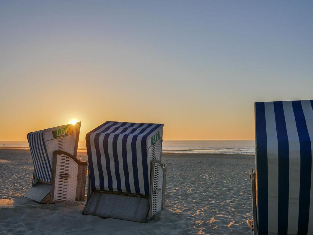 Norderney - verwaiste Strandkörbe