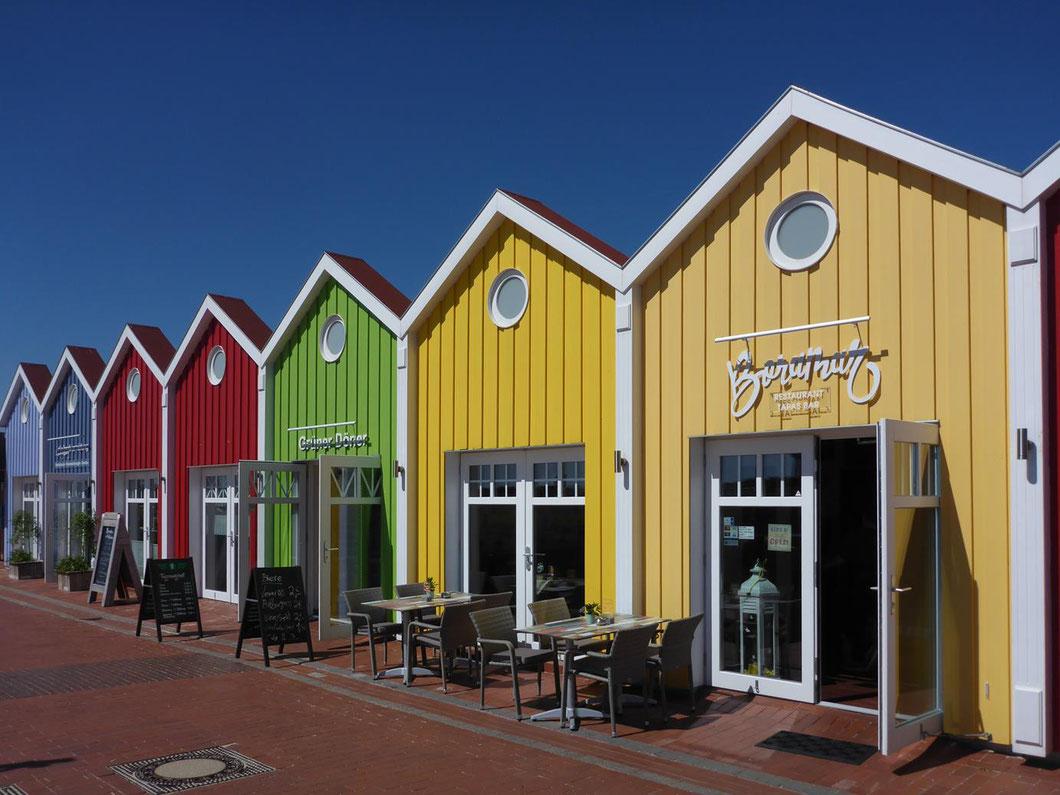 Langeoog - die bunten Häuser sind ein Erkennungszeichen der Insel