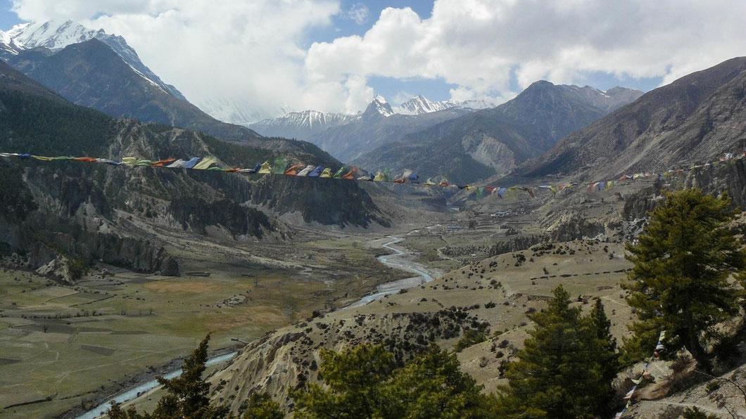 Annapurna, Nepal, Wandern, Trekking, Gebetsfahnen