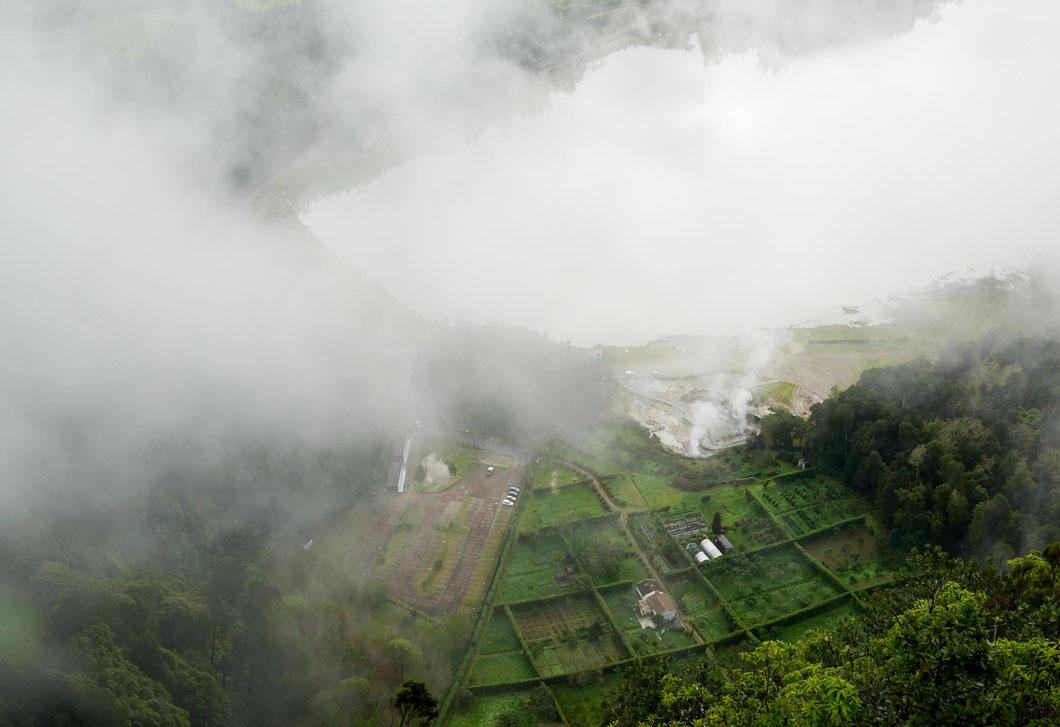 Die Vulkane der Inselmitte waren leider fast immer in dichte Wolken eingehüllt - Lago de Fogo
