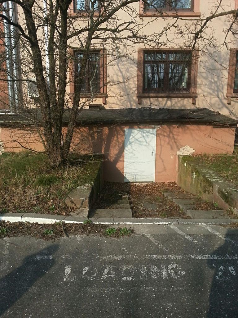 Anbau Campbell Barracks vor dem Abbruch des Dachs)