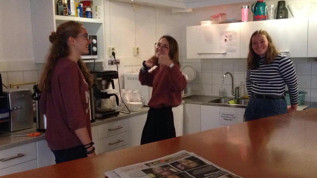 Sonja, Clarita und Klara im Newmann Café