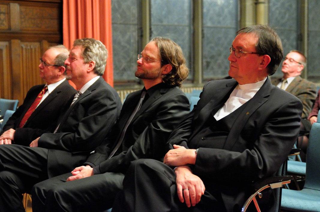 Prof. Dr. Dietrich Korsch (v.l.n.r.), Prof. Dr. Hans Joas, Prof. Dr. Jörg Lauster, Bischof Prof. Dr. Martin Hein (Foto: Karl-Günter Balzer)