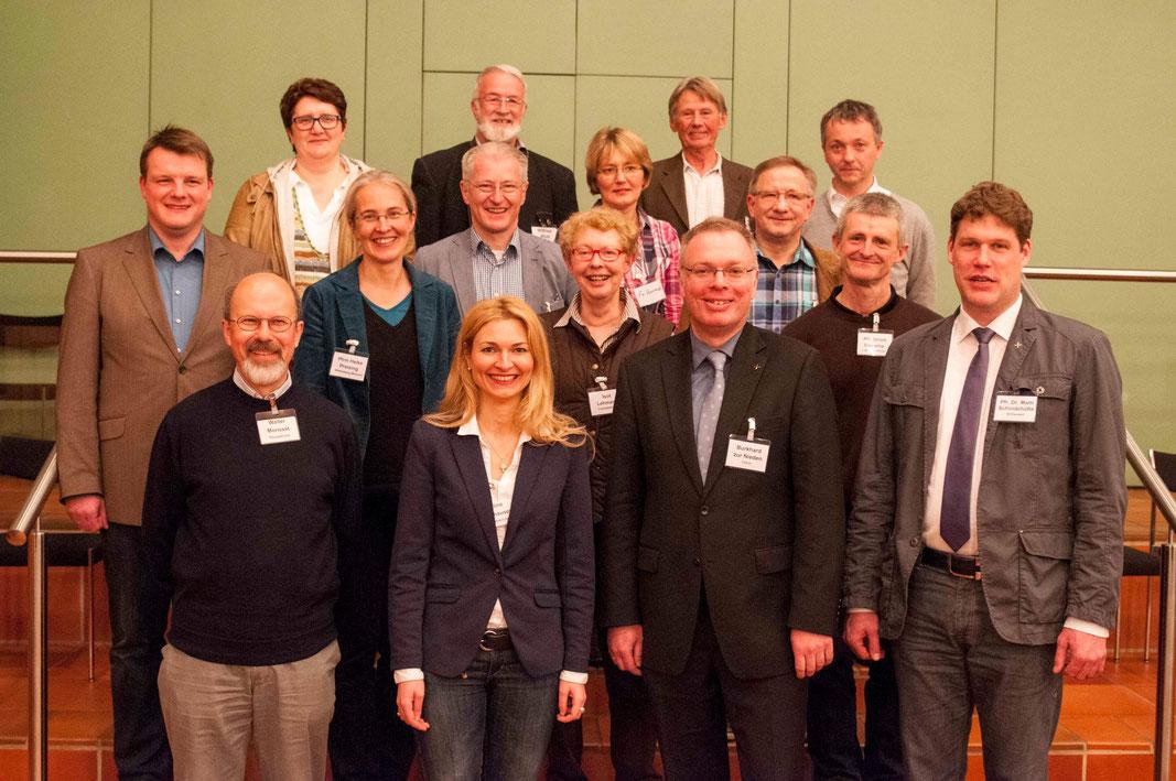 Der neue Kirchenkreisvorstand mit den Stellvertretern (Fotos: Karl-Günter Balzer)
