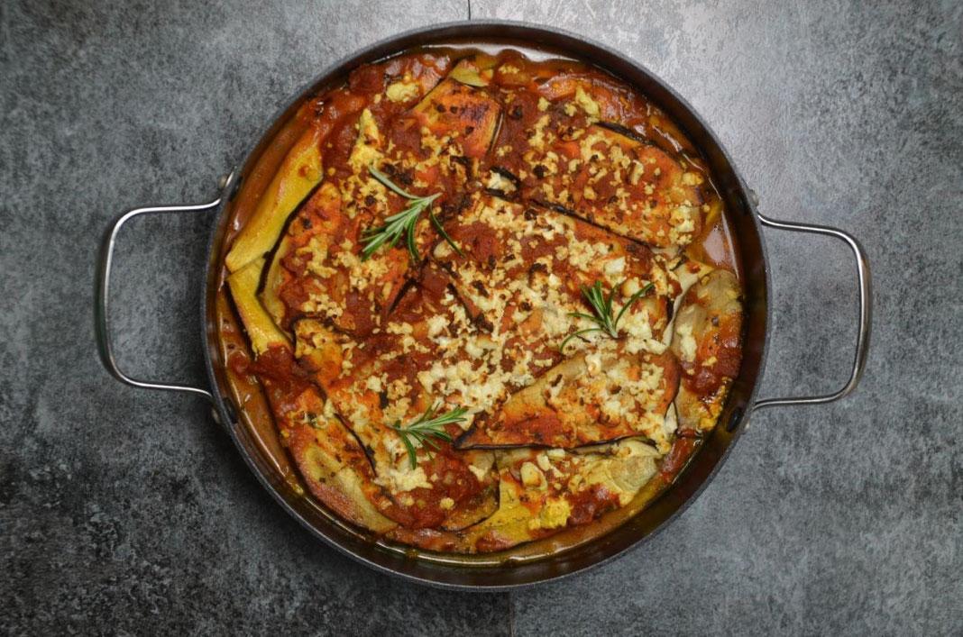 Auberginen Auflauf mit Tomate, Mozarella und Feta