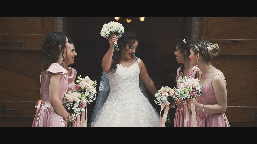 Video Matrimonio Bologna Reggio Emilia Romagna, Videografo Matrimonio Bologna Reggio Emilia Romagna, Video Matrimonio Reportage Spontaneo, Damigelle Damigella bridesmide bride