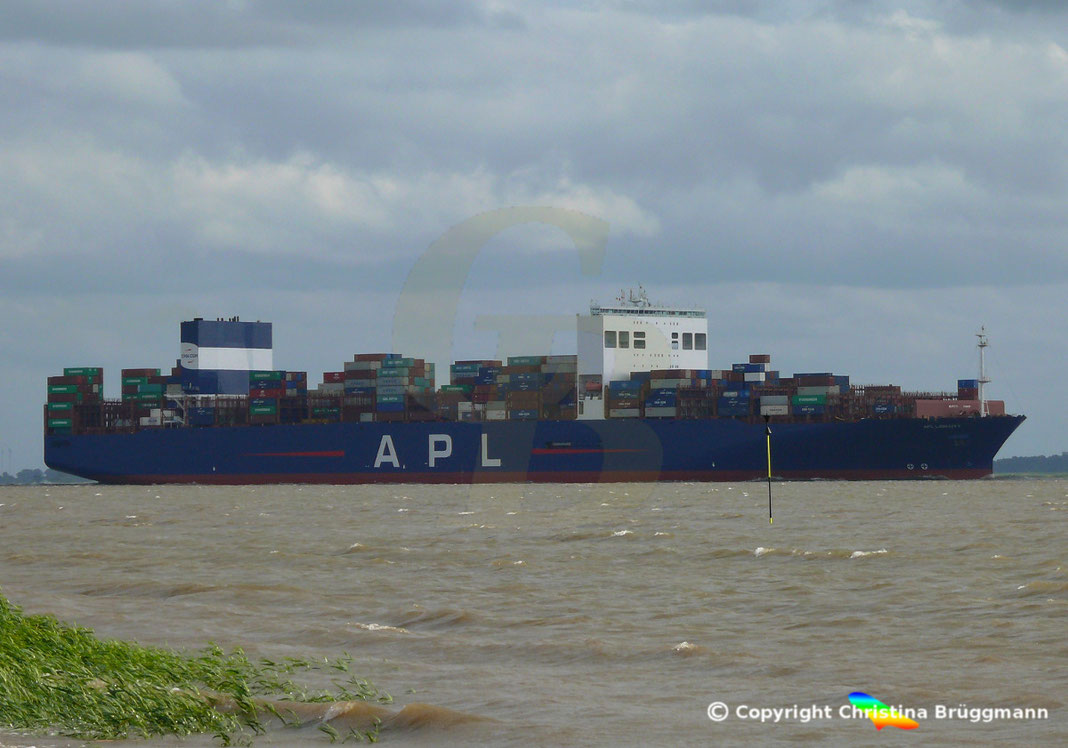 Containerschiff APL LION CITY, mit Scrubber