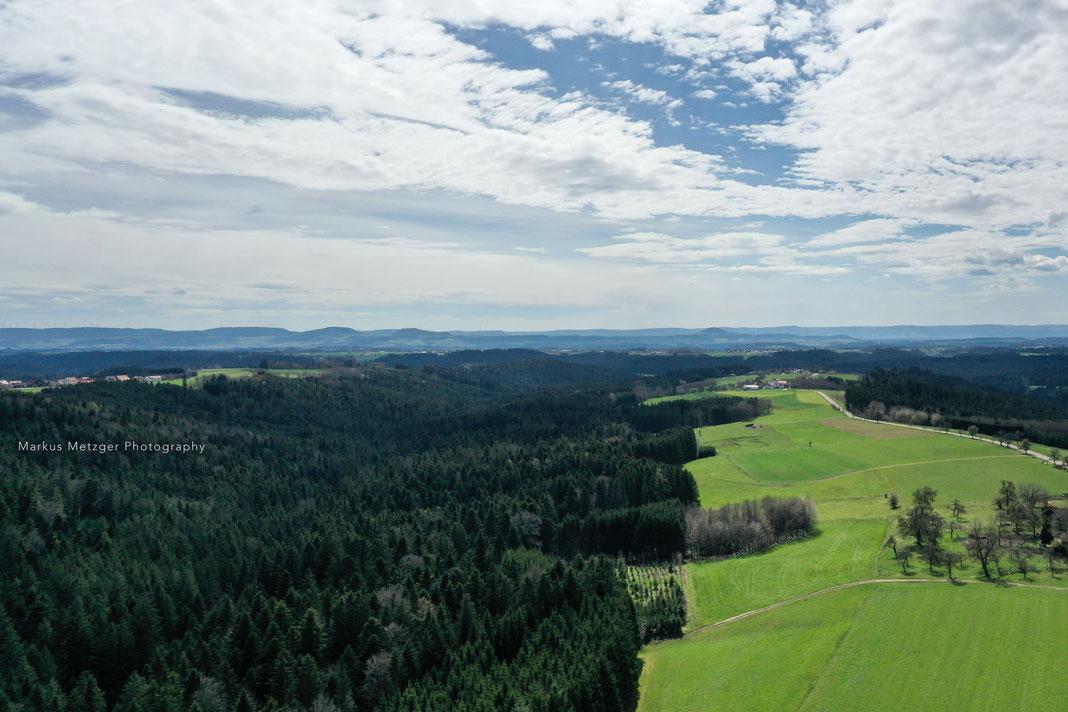 Drohnenfoto im Rems-Murr-Kreis, Blick auf die Kaiserberge: Luftaufnahmen via Drohne sind allgemein immer schön, jedoch z.B. bei Sturmschäden auch zur Dokumentation sehr wichtig!