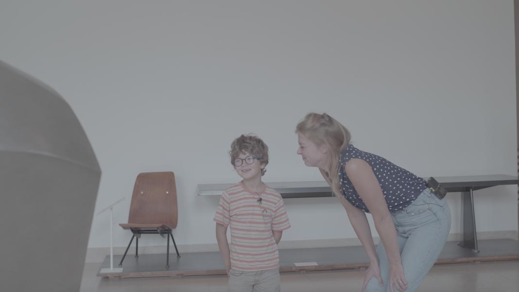 Noel und Saskia vor Raymond Duchamp-Villon