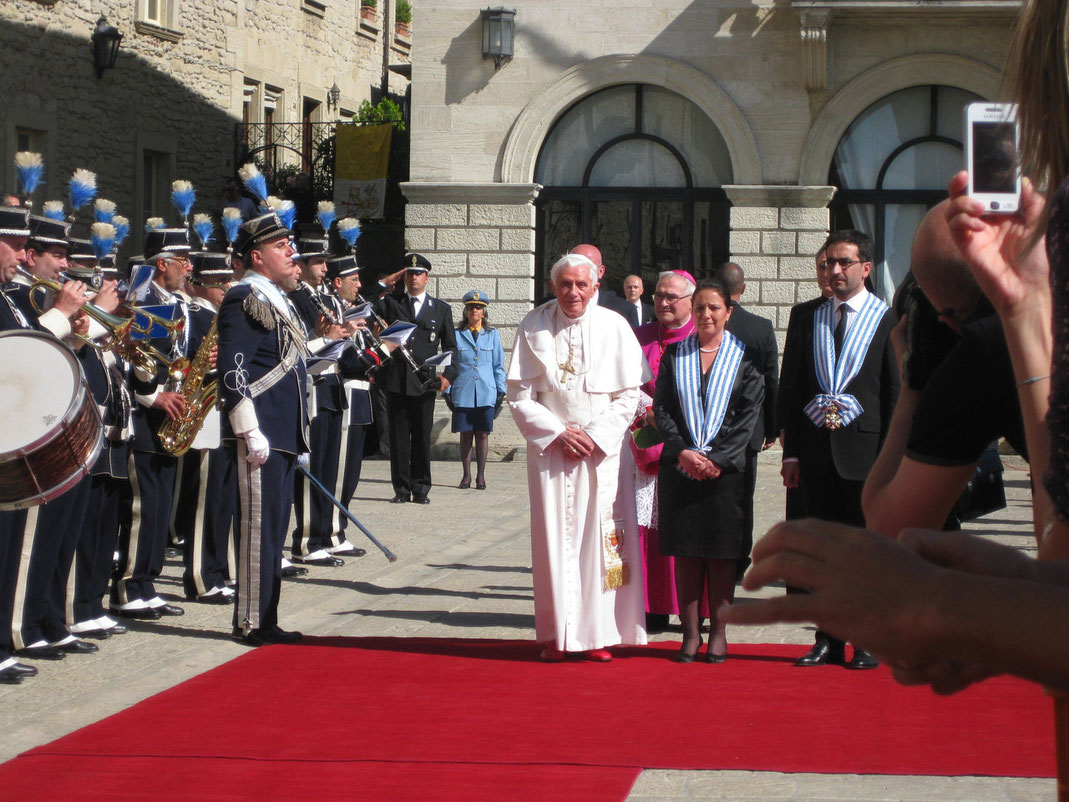 BENEDETTO 16° A SAN MARINO 2011 clicca per info