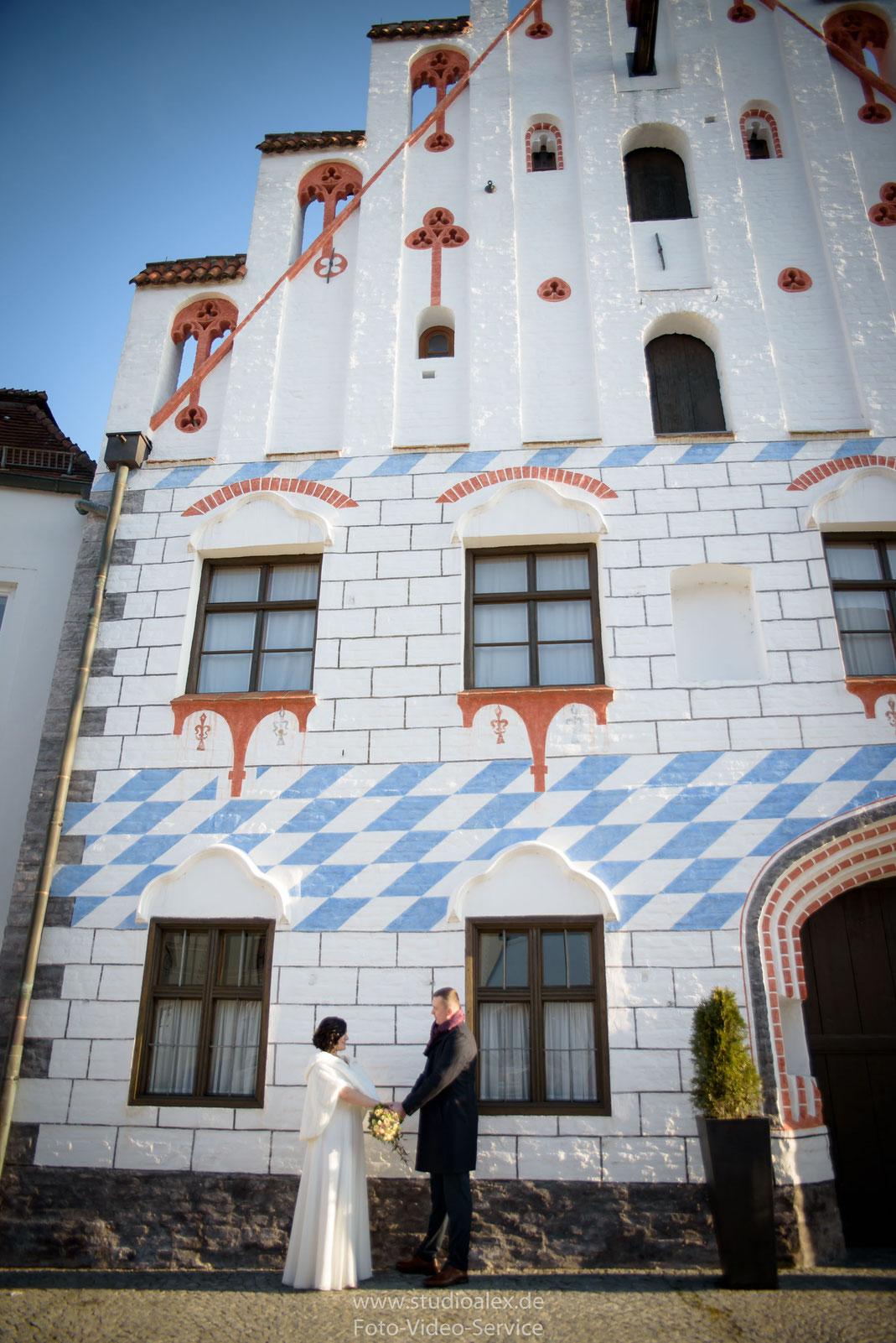 Hochzeitsfotografie von der standesamtlichen Trauung in Dingolfing, Hochzeitsfotograf für die standesamtliche Trauung in Dingolfing, Hochzeitsfotograf Dingolfing, russischer Hochzeitsfotograf Dingolfing