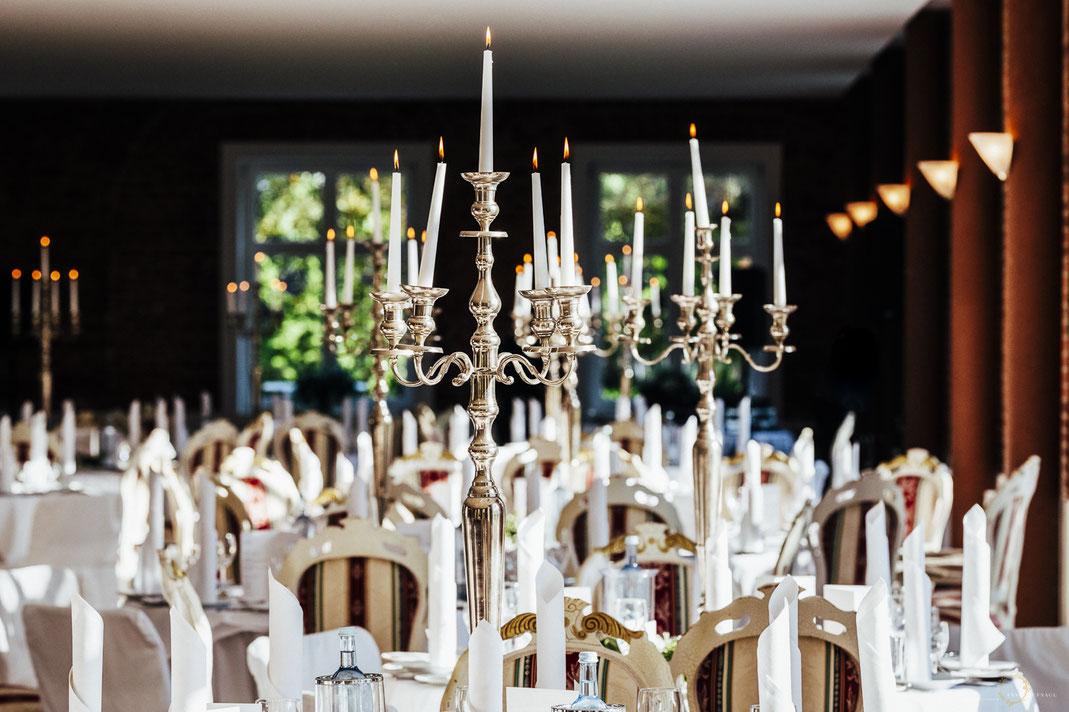Festsaal Hochzeit Schloss Wedendorf - Heiraten in Mecklenburg Vorpommern / Foto: Anne Hufnagl