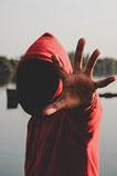 Self-défense : perception des expressions faciales