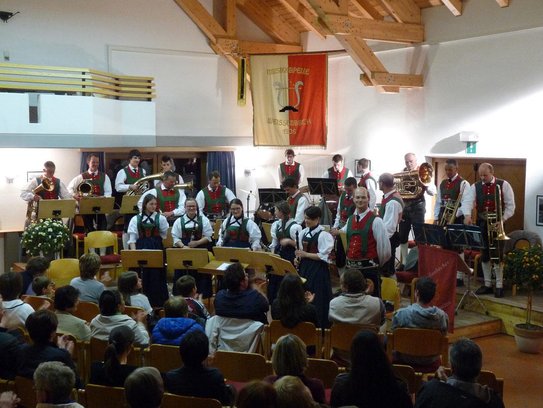 Die Musikkapelle Weißenbach beim Frühjahrskonzert 2014
