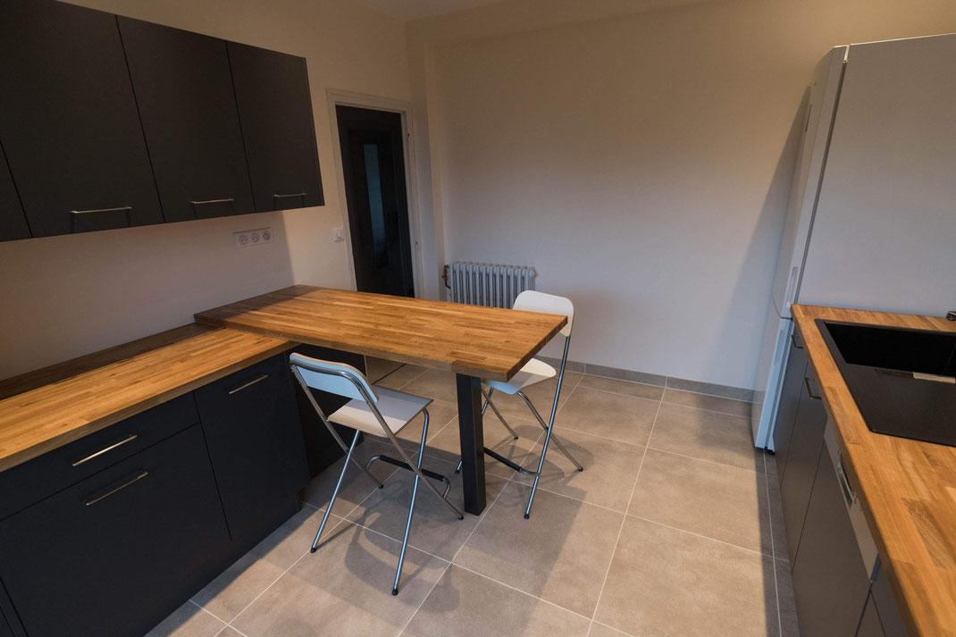 Pied de table carré pour cuisine aspect industriel