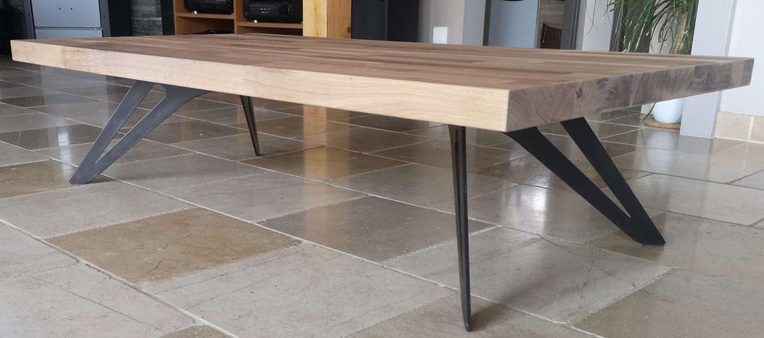 pied de table basse style industriel en métal patiné