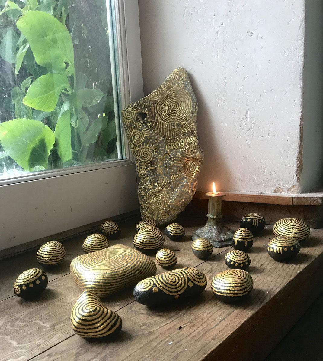 bemalte Steine, Frankreich, Labyrinth aus Gold, Labyrinthsteine, Matthias Eule