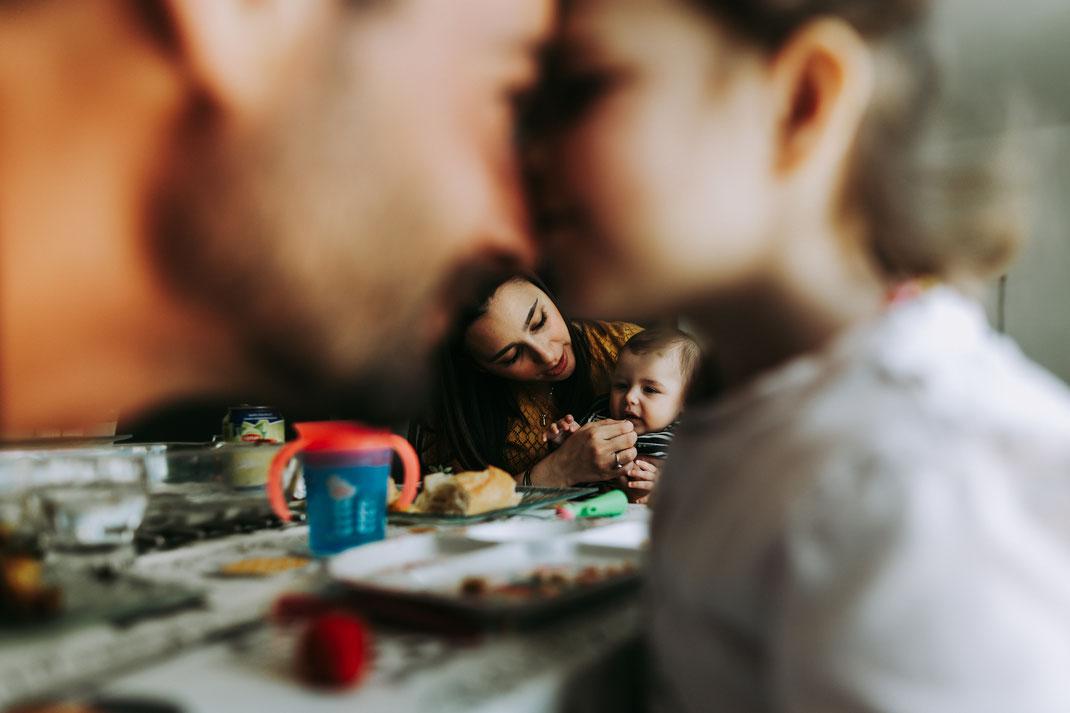 Thia photographe séance photo lifestyle famille reportage du quotidien documentaire Saint-Maximin-la-Sainte-Baume