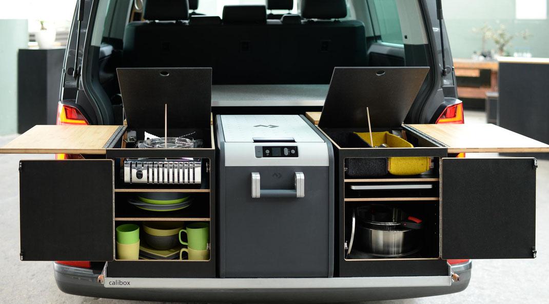 Stauraum und  maximale Flexibilität Heckküche mit Klapptisch