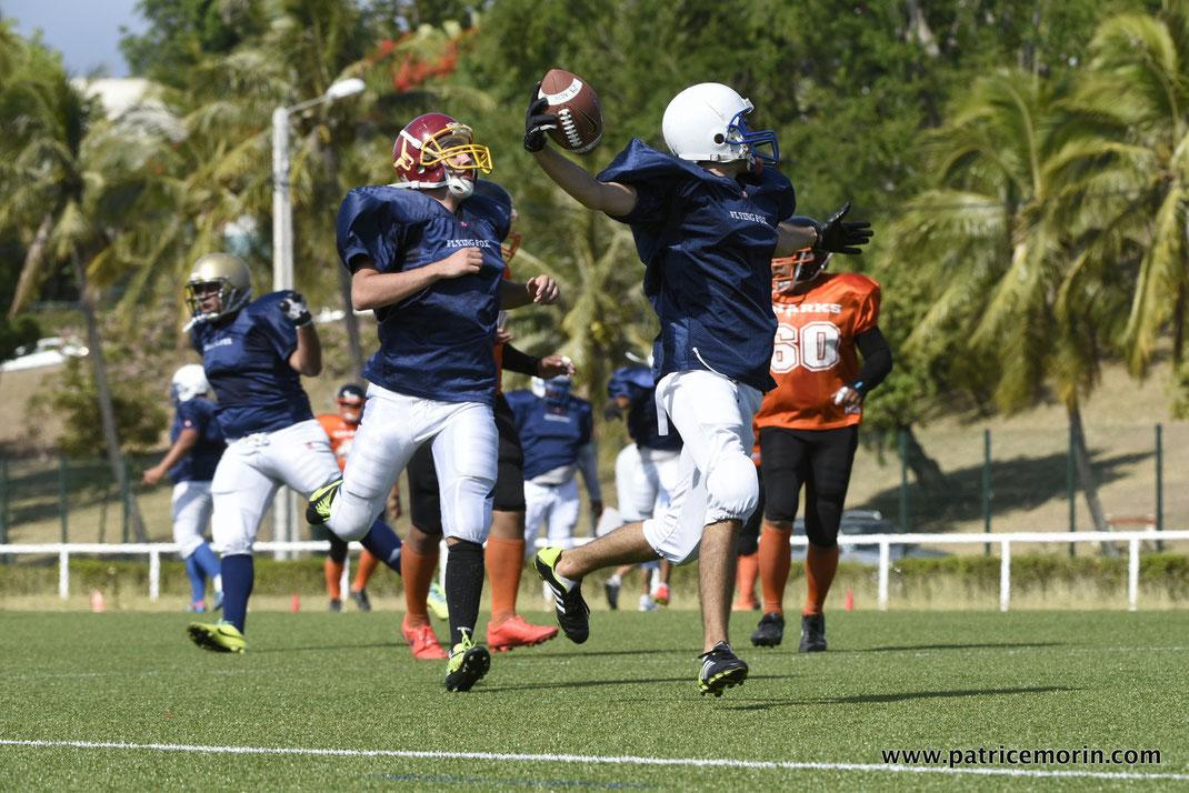Football américain en Nouvelle Calédonie; les Flying Fox de Nouméa affrontant les Sharks