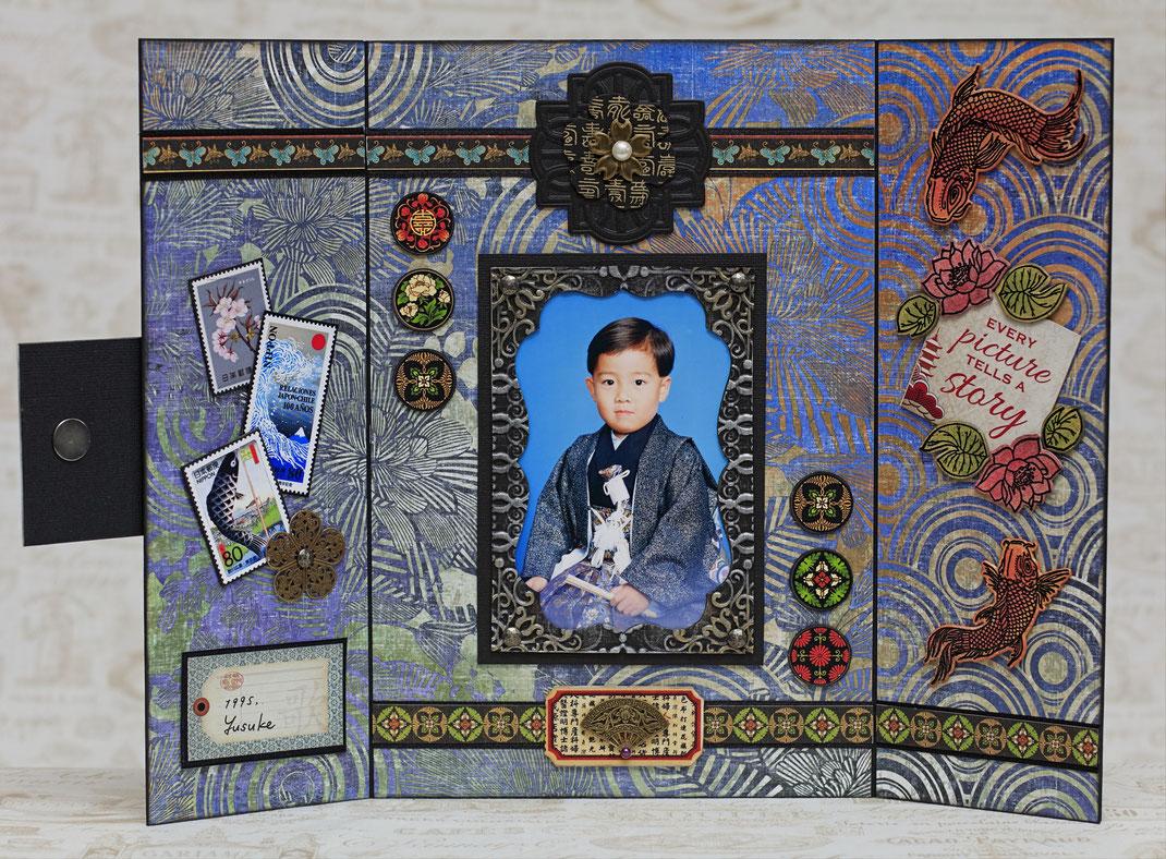見開きの8inch七五三作品の中ページです。27歳の長男が5歳の時の写真です。懐かしい~❤蓮や鯉はスタンプ&ダイに着色しています。