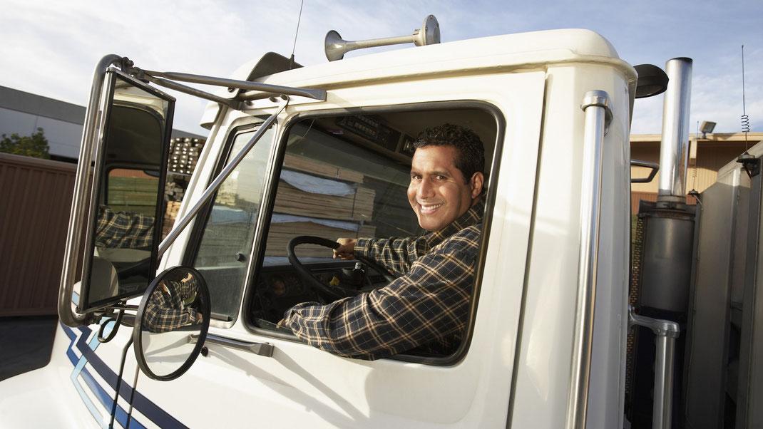 Consejos para manejar Transporte de carga en Carretera bajo el Sol