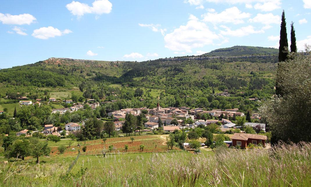 Sentier des Dinosaures - Vue sur Campagne sur Aude - Pyrénées Audoises
