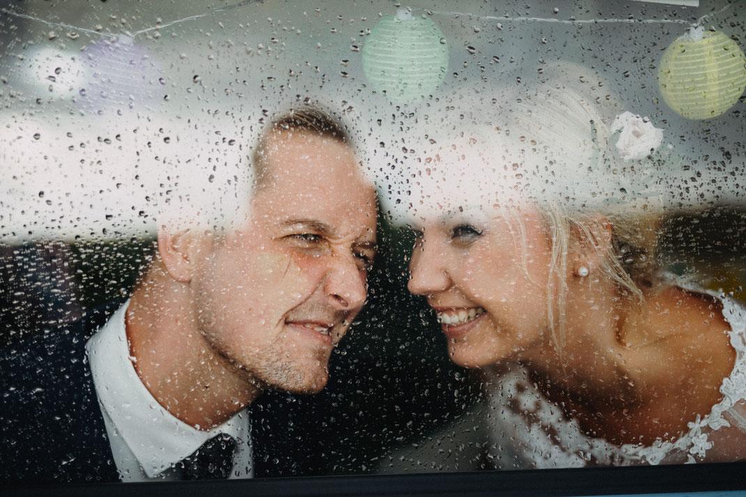 Hochzeit und Regen, kein Problem.