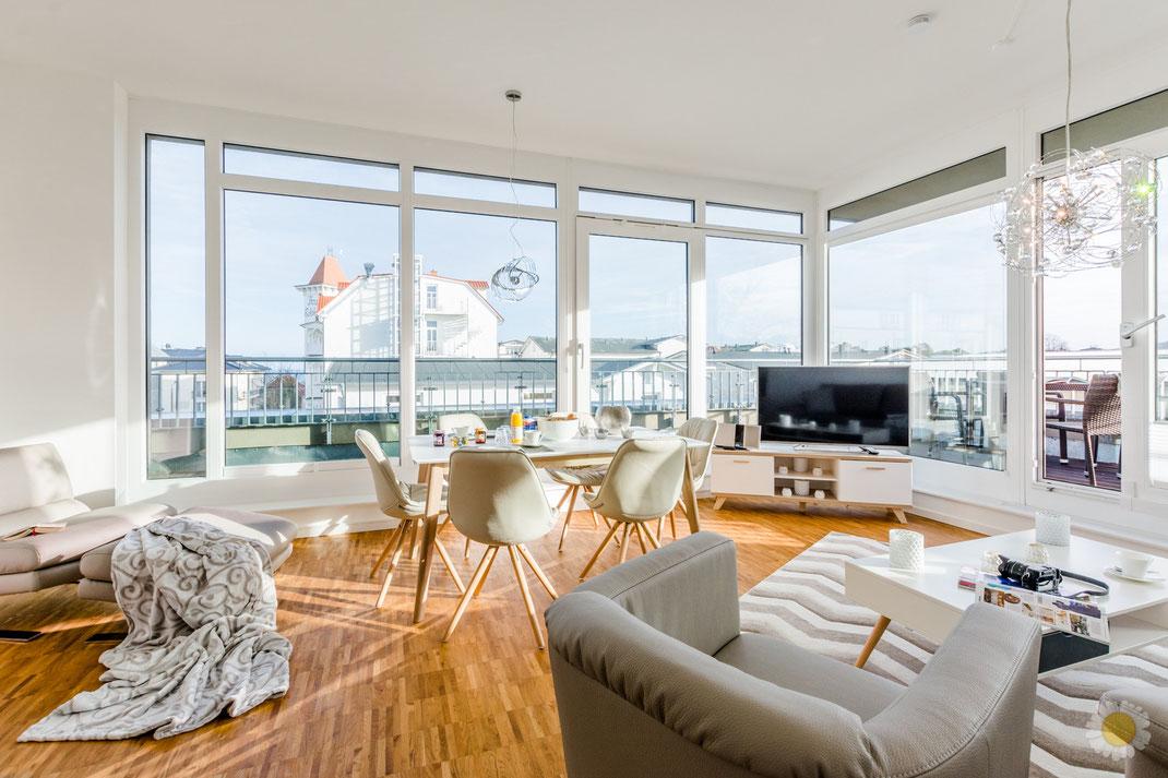 Eingerichtet Penthouse Wohnzimmer mit Blick