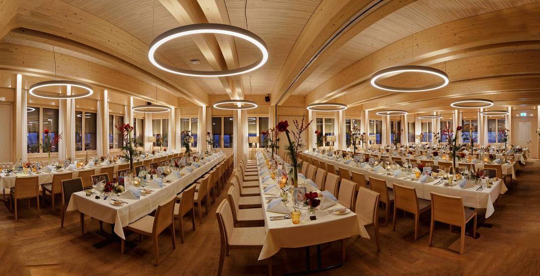 Gaststube im neu eröffneten Restaurant Albero, Golfpark Holzhäusern