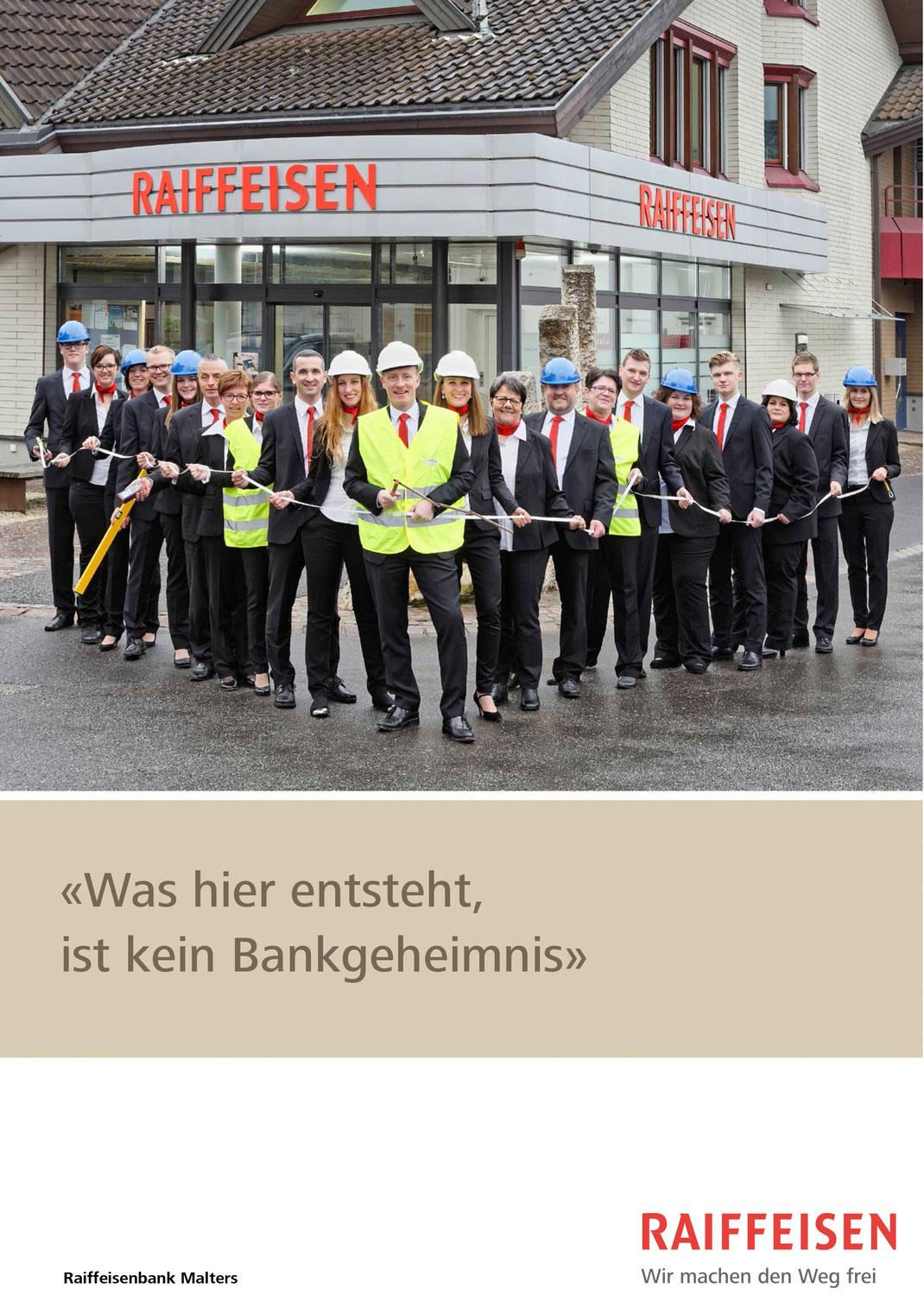 Das Team der Raiffeisenbank Malters kurz vor dem Umbau des Hauptsitzes am Mettlenweg in Malters.