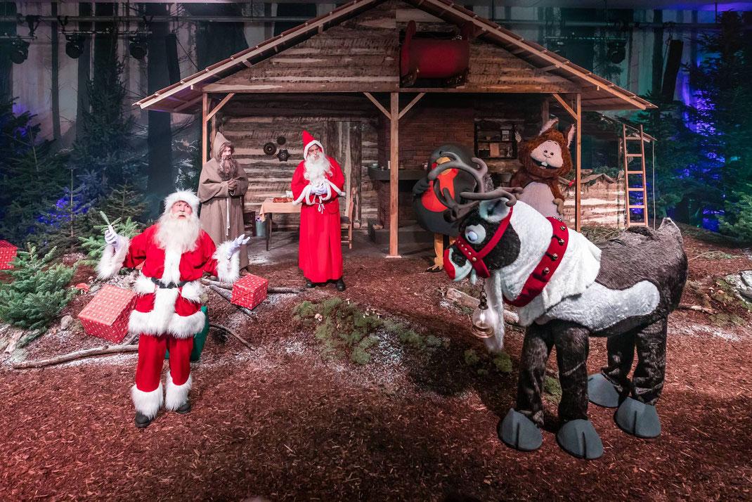 Samichlaus oder doch eher Santa Claus? Der Kampf der beiden skurilen Männer aus unterschiedlichen Kontinenten endet in einem Happy-End