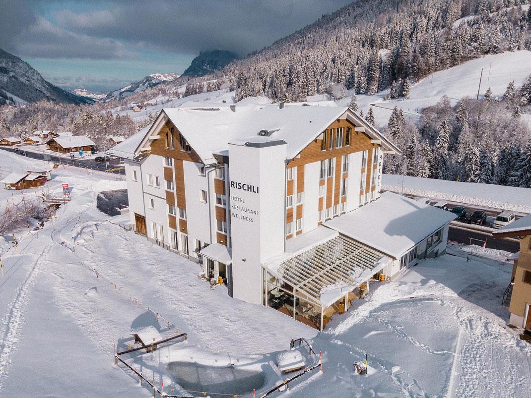 Skipisten, Schneeschuhtrails und Winterwanderwege starten direkt vor der Hoteltüre