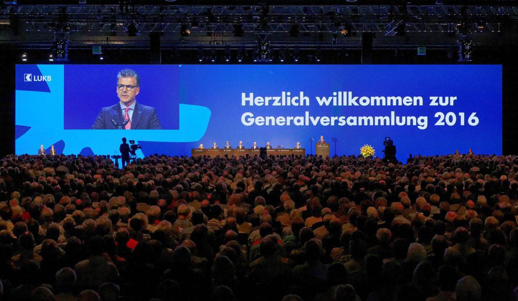 LUZERNER KANTONALBANK: GENERALVERSAMMLUNG 2016: 16. Ordentliche Generalversammlung der Luzerner Kantonalbank AG GV  LUKB 2016 in den Hallen der Messe Luzern.
